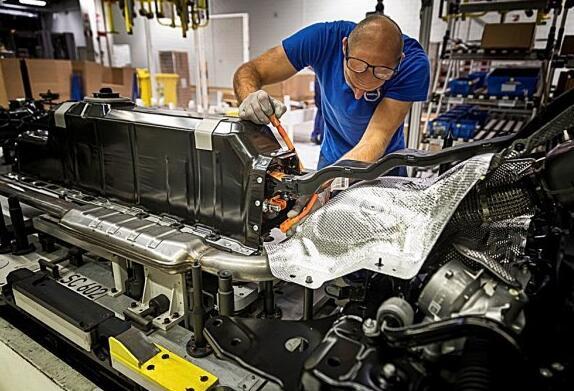 VLOVO在XC40电动版发表前夕宣布推出全新电车品牌Recharge